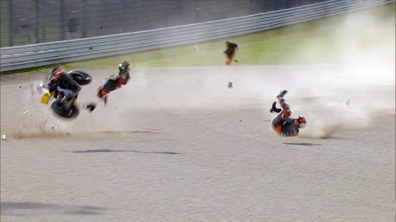 Lowes wins after Raul Fernandez crashes